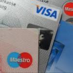 おもてなしって本当?切符購入やタクシーでクレジットカードを使えない日本は不便極まりない
