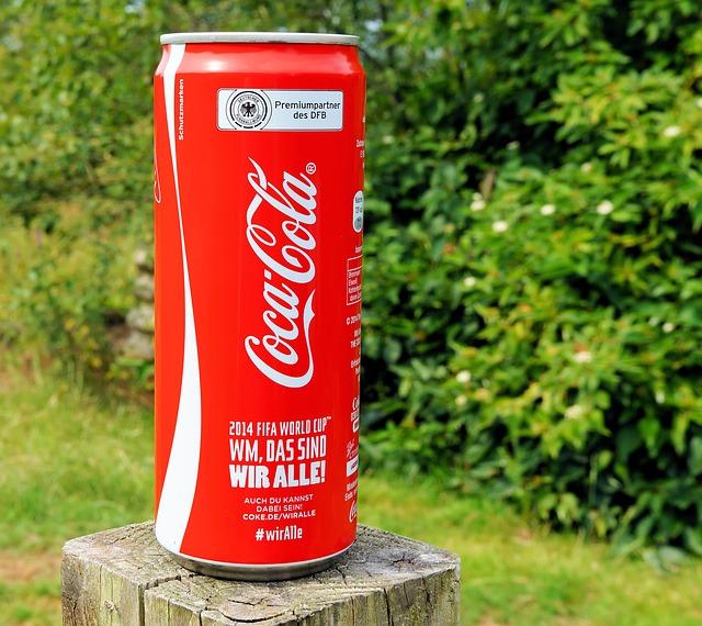 米国高配当銘柄 コカ・コーラが5.7%増配 55年連続の配当王