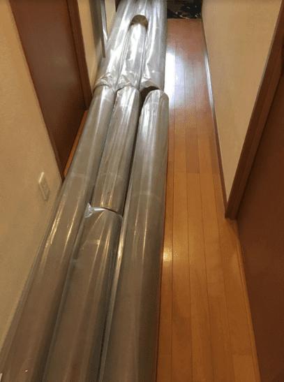 自宅の廊下で邪魔なエコナル防草シート2